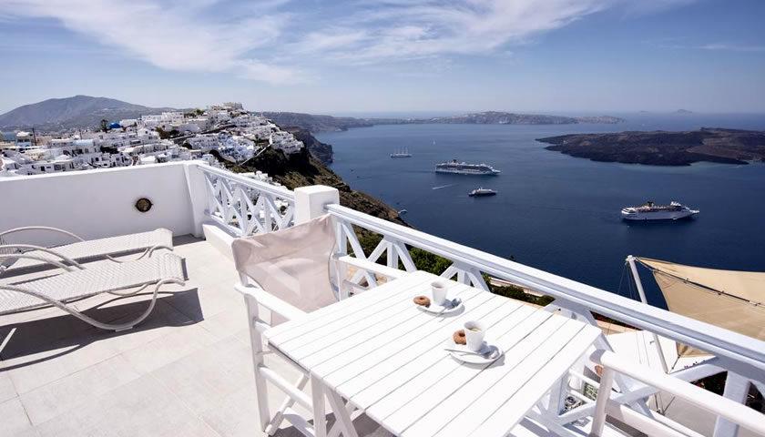 Blue Dolphins Apartments, Firostefani, Santorini