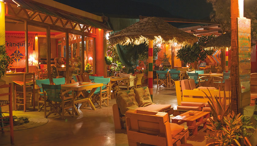 Tranquilo Bar, Perissa, Santorini